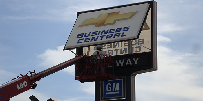 50+ years Sign Service Experience